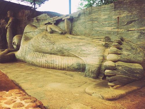 Reclining Buddha Polonnaruwa