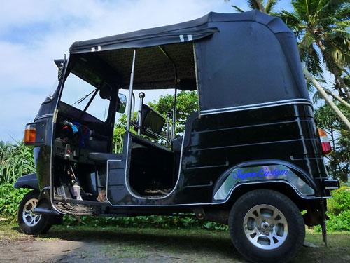Sri Lankan tuk-tuk taxi