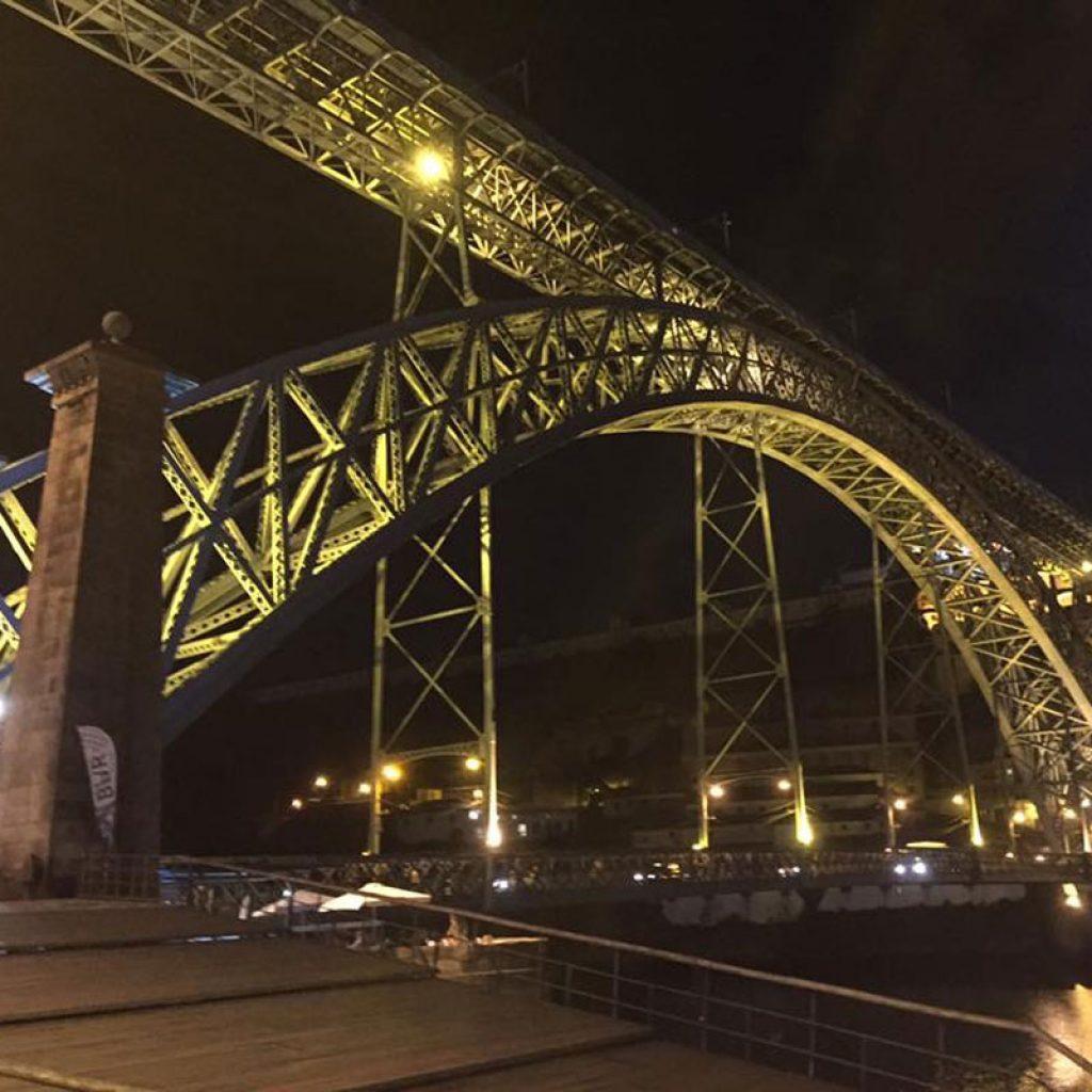 Travel Report Porto - Ponte Don Luiz Bridge in Porto at Night Time